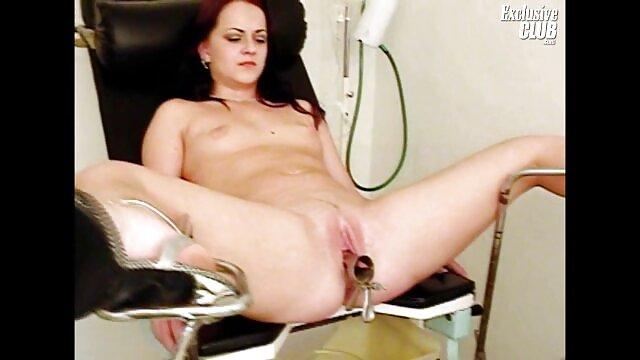 एक औरत सेक्सी फुल मूवी पिक्चर अपने प्रेमी के लिए क्या करने के लिए एक आदमी का चयन करना होगा, और उसके साथ सरलता बिस्तर पर