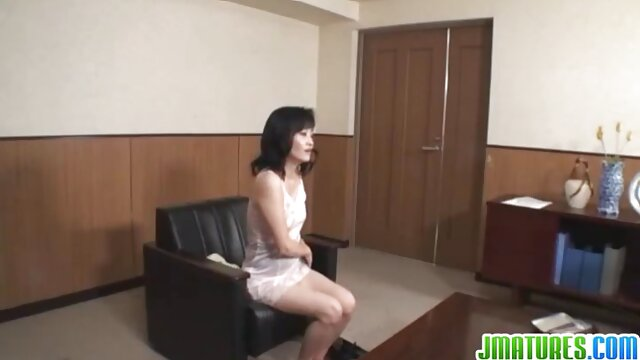 बेशर्मी से घर ब्लू पिक्चर सेक्सी फुल मूवी का कपड़ा करने के लिए और उसे एल के लिए मिठाई जवान लड़की तैयार